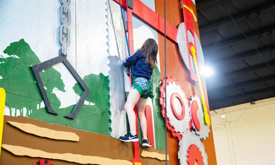 activity of 3d climbing wall