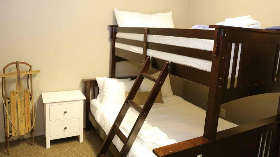 creekside-bedroom-rainier-camp-and-retreat-center-washington