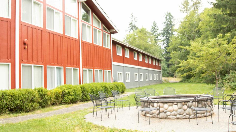 Glacier Peak Lodge exterior